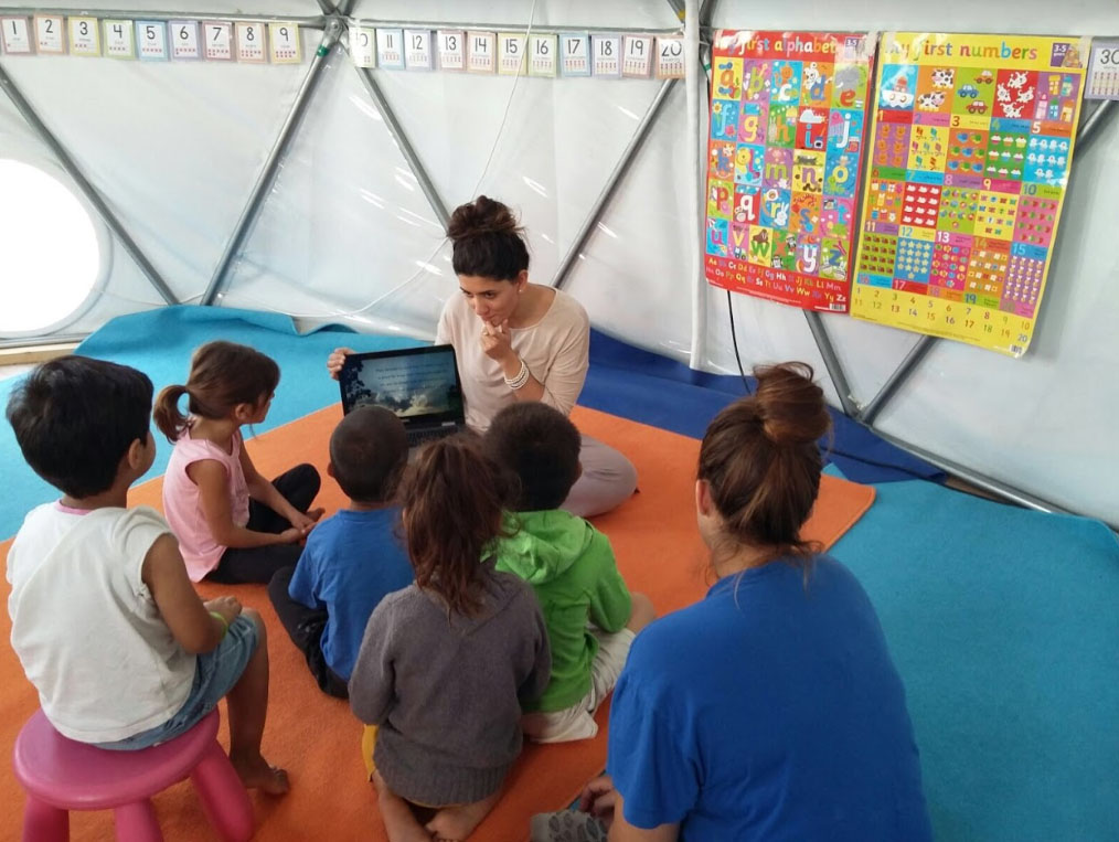 Capgemini Anahita volunteering children