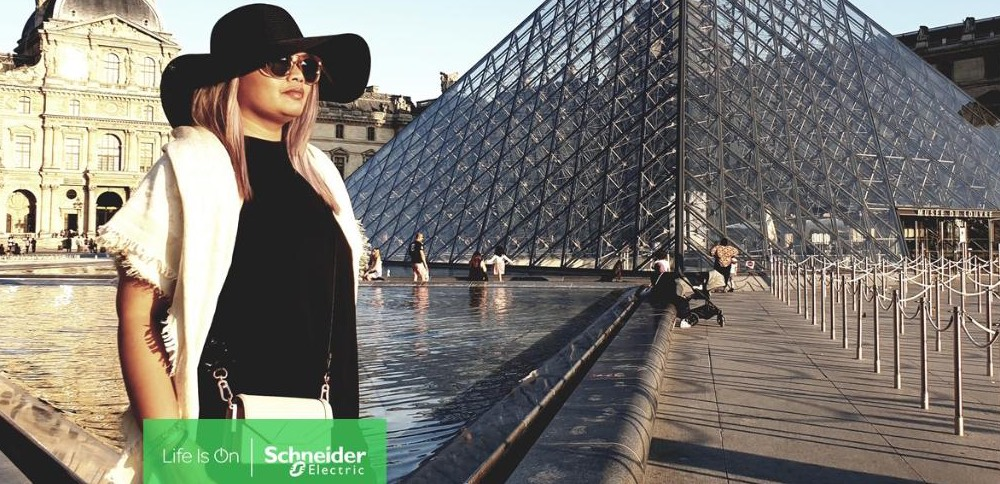 Schneider Electric helps Aisha satisfy her passion for travel